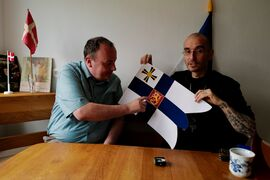 Mark benecke peter markio kreuter flaggen fahnen flags - 40.jpeg